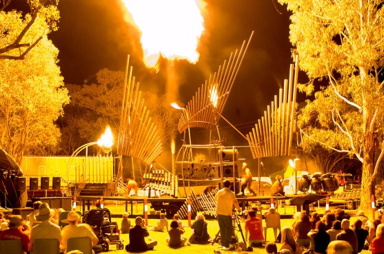 The Pyrophone in its original form at the Mitchell Fire and Water Festival 2005